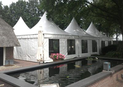 Pagode tent in tuin